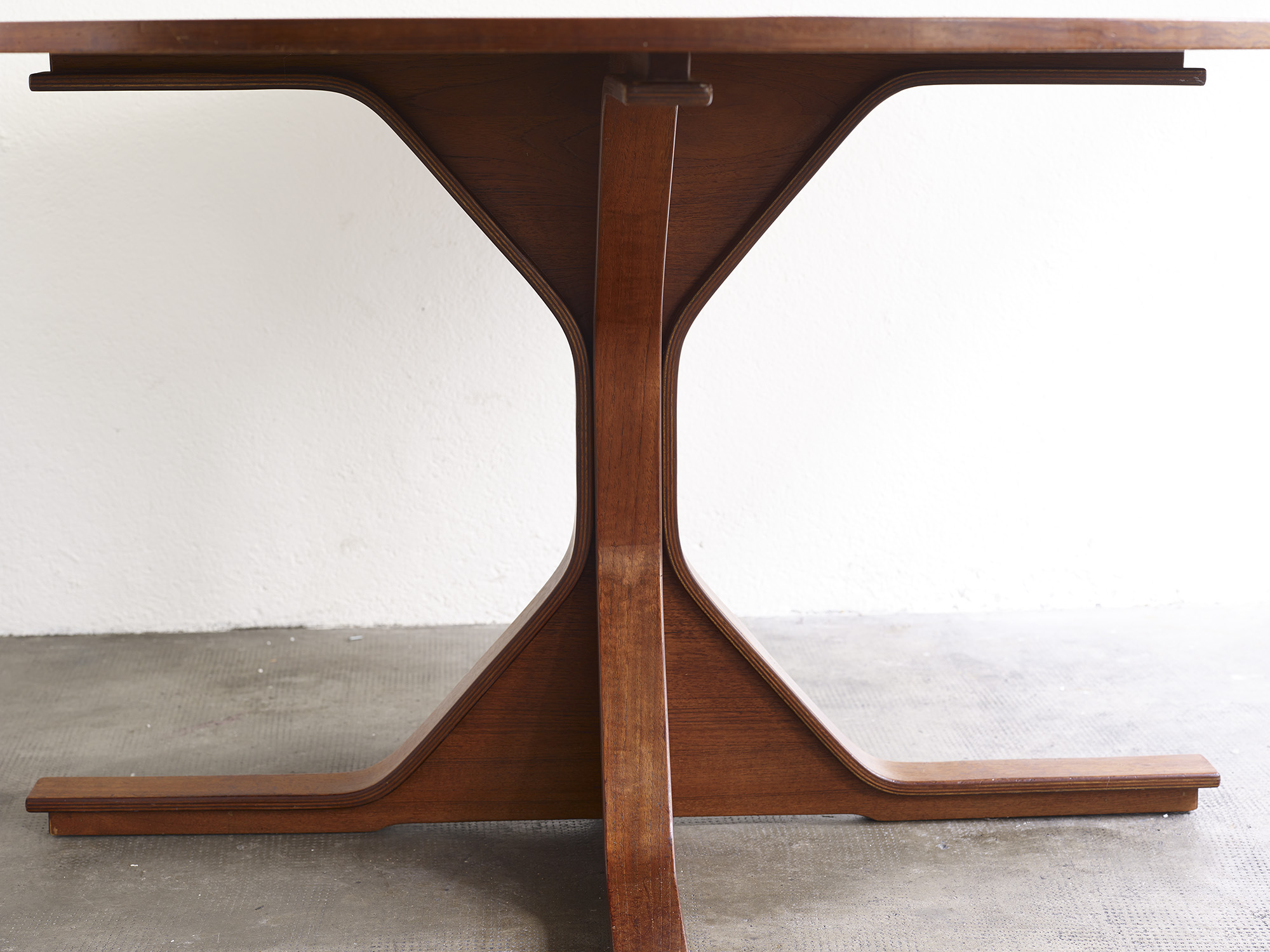 teak-dining-table-model-522-by-gianfranco-frattini-image-02
