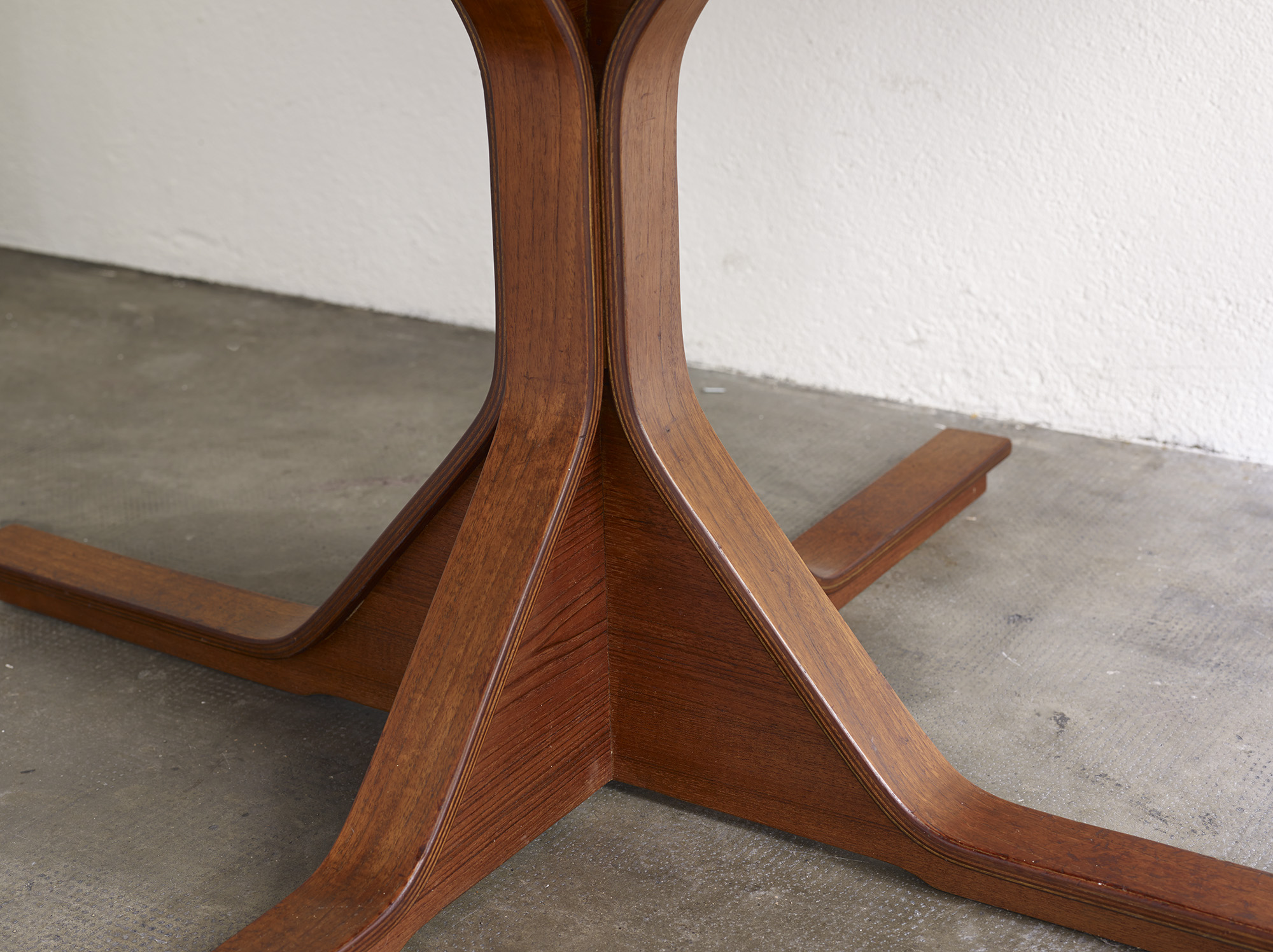 teak-dining-table-model-522-by-gianfranco-frattini-image-04