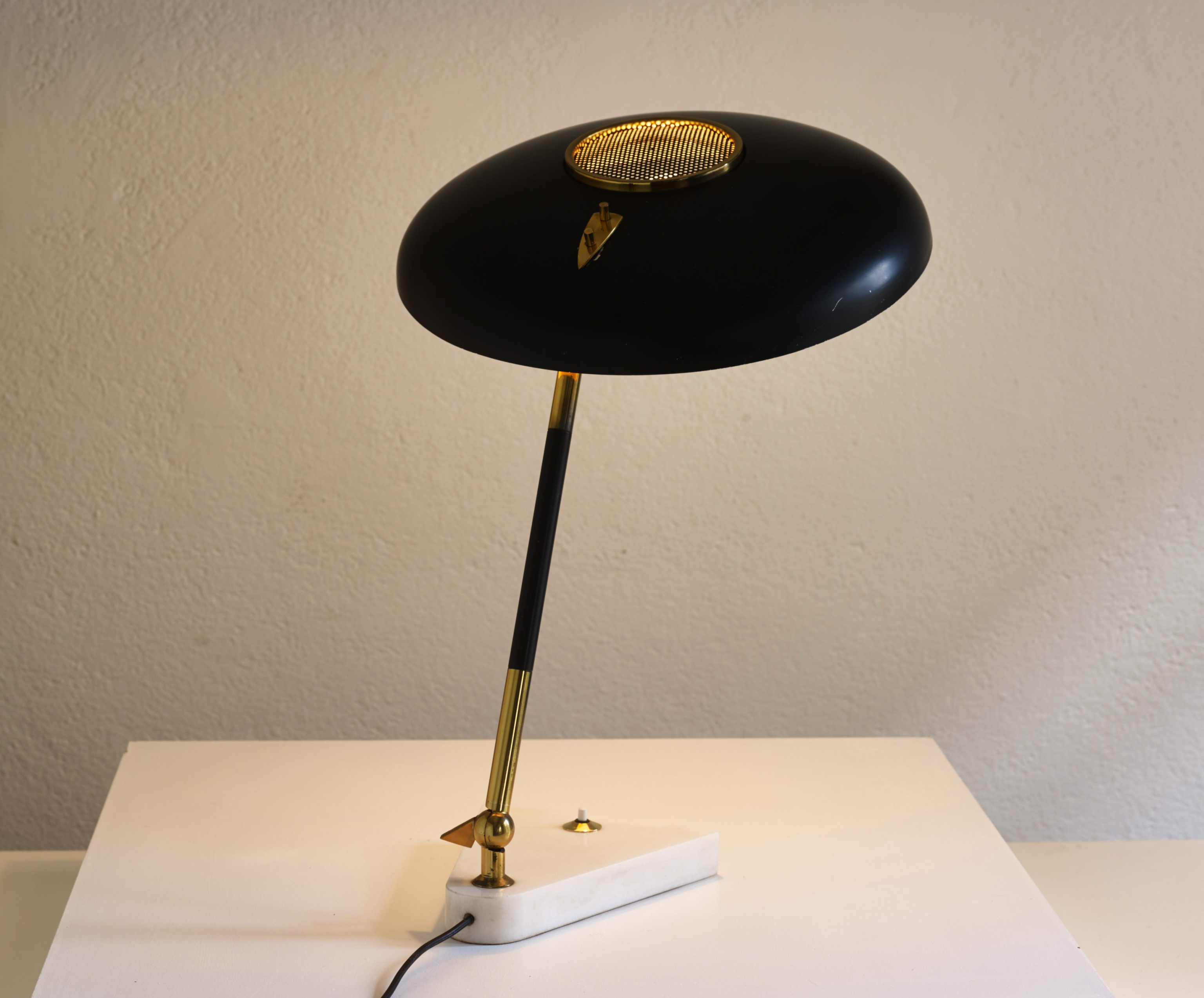 stilux-table-lamp-image-01