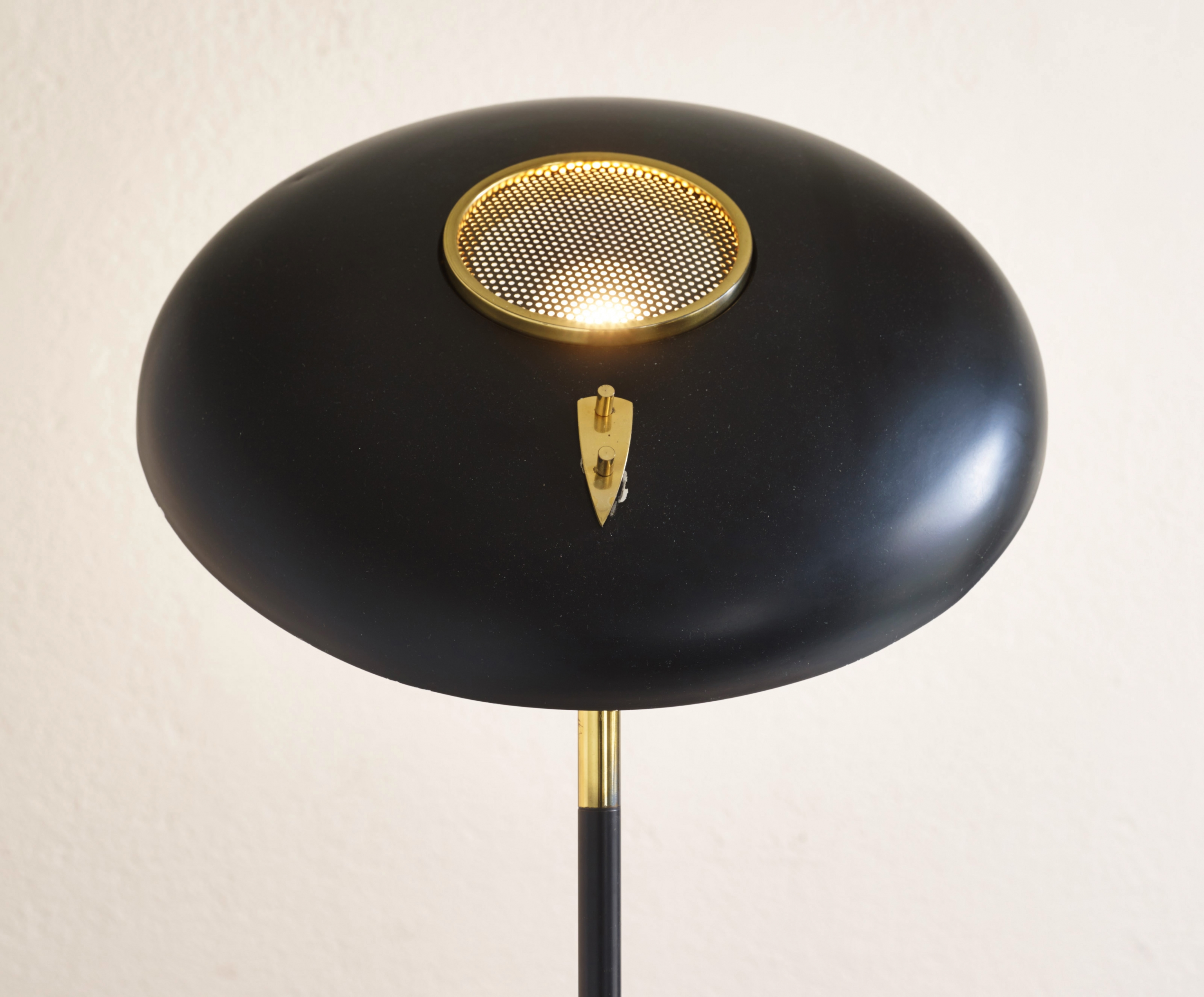 stilux-table-lamp-image-05
