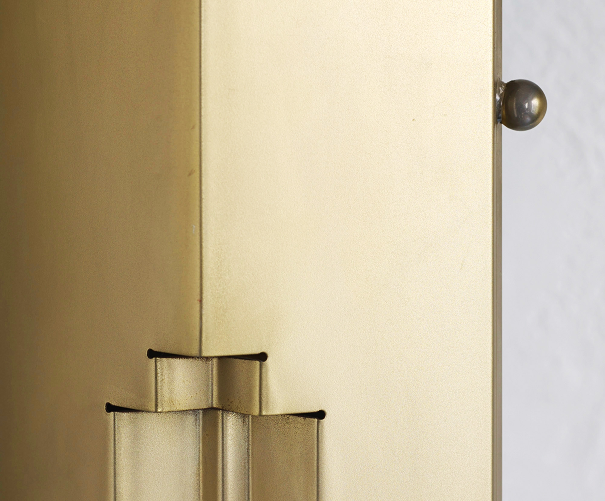 totem-floor-lamp-by-kazuhide-takahama-image-04