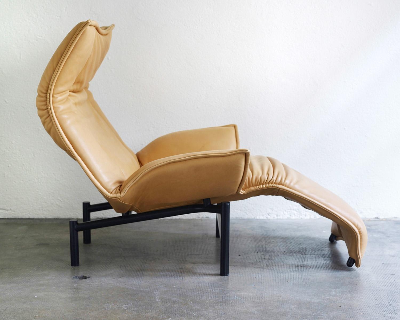 veranda-lounge-chair-by-vico-magistretti-image-04
