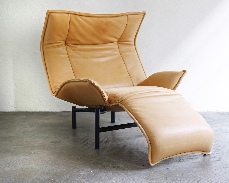 veranda-lounge-chair-by-vico-magistretti-image-02