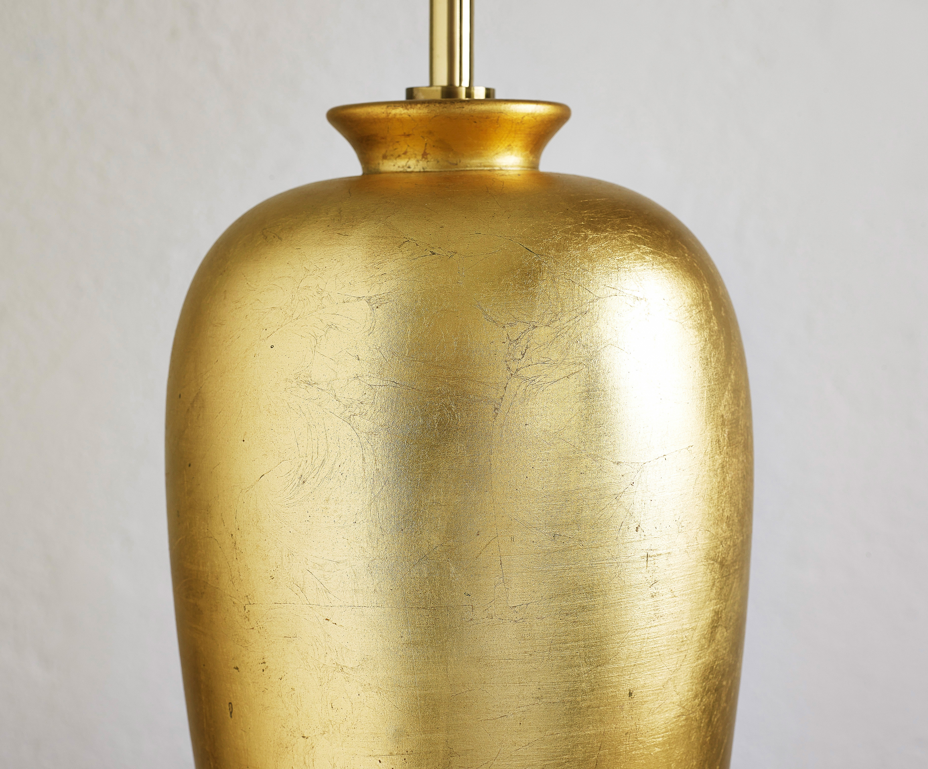 table-lamp-by-ugo-zaccagnini-image-02