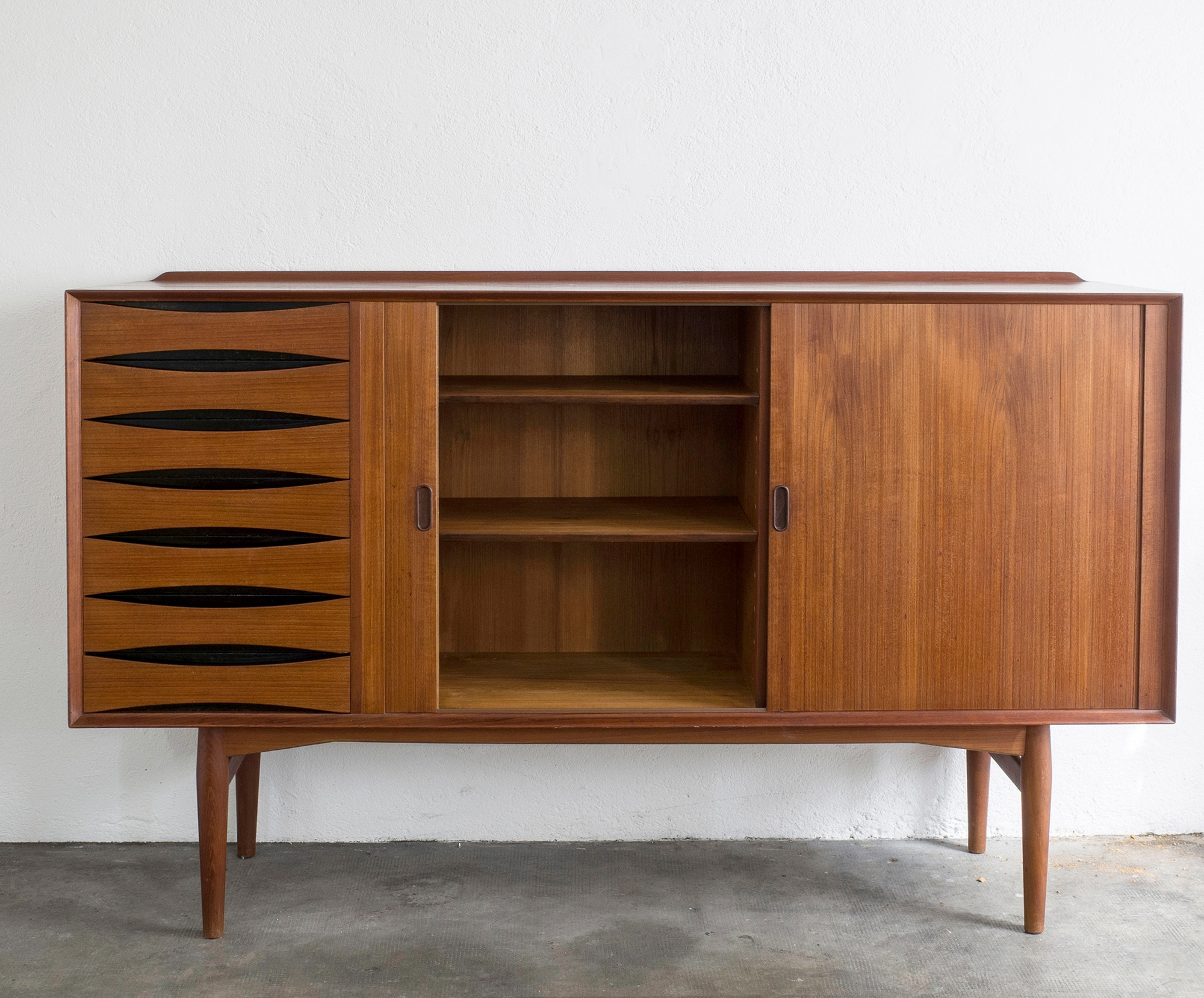 triennale-teak-highboard-by-arne-vodder-image-01