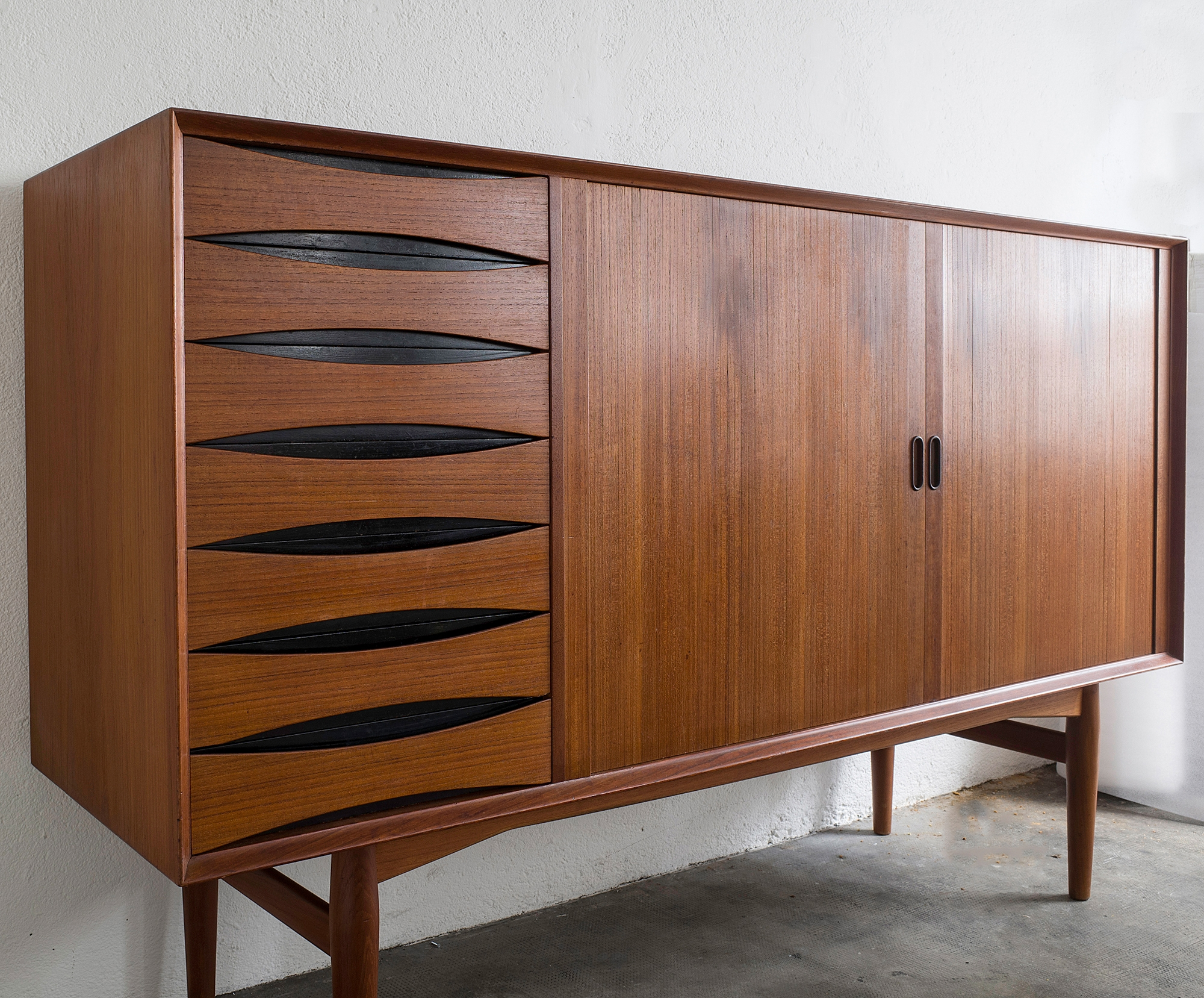 triennale-teak-highboard-by-arne-vodder-image-07
