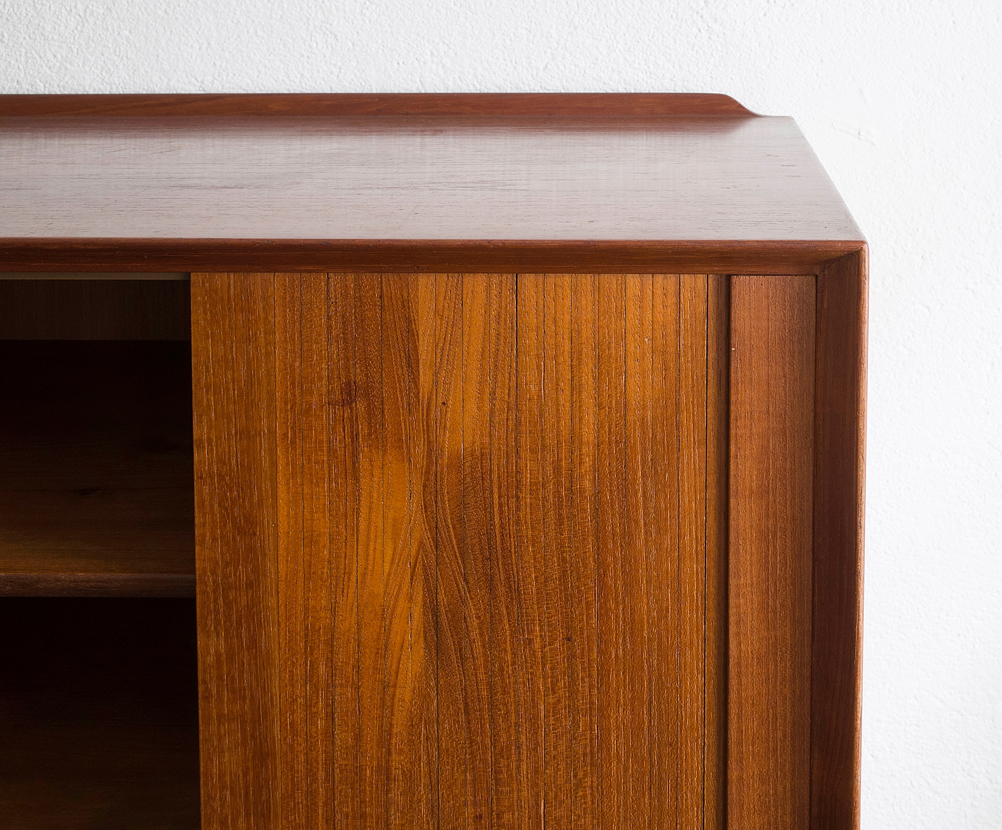 triennale-teak-highboard-by-arne-vodder-image-11