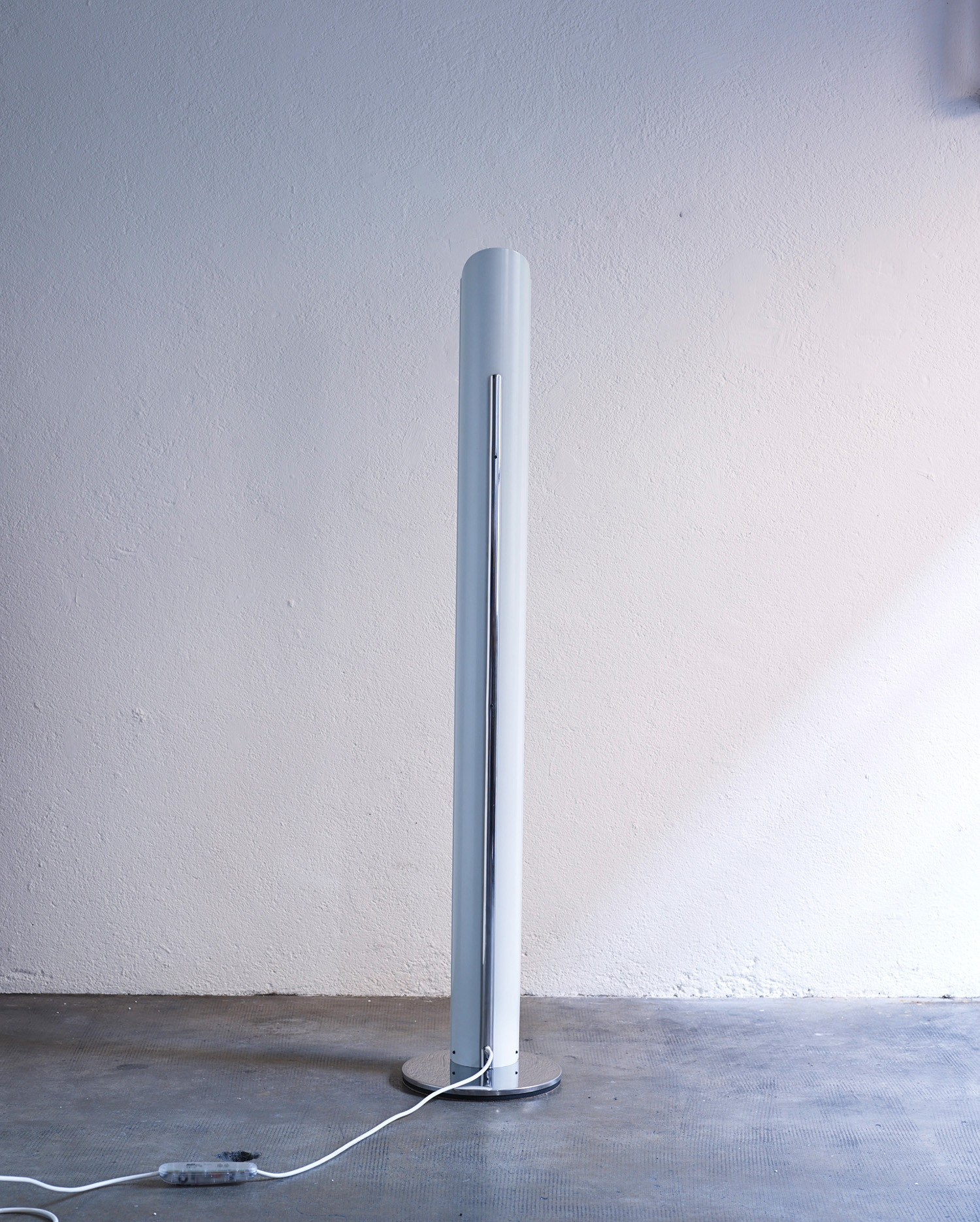 italian-floor-lamp-by-enrico-tronconi-1970-image-04