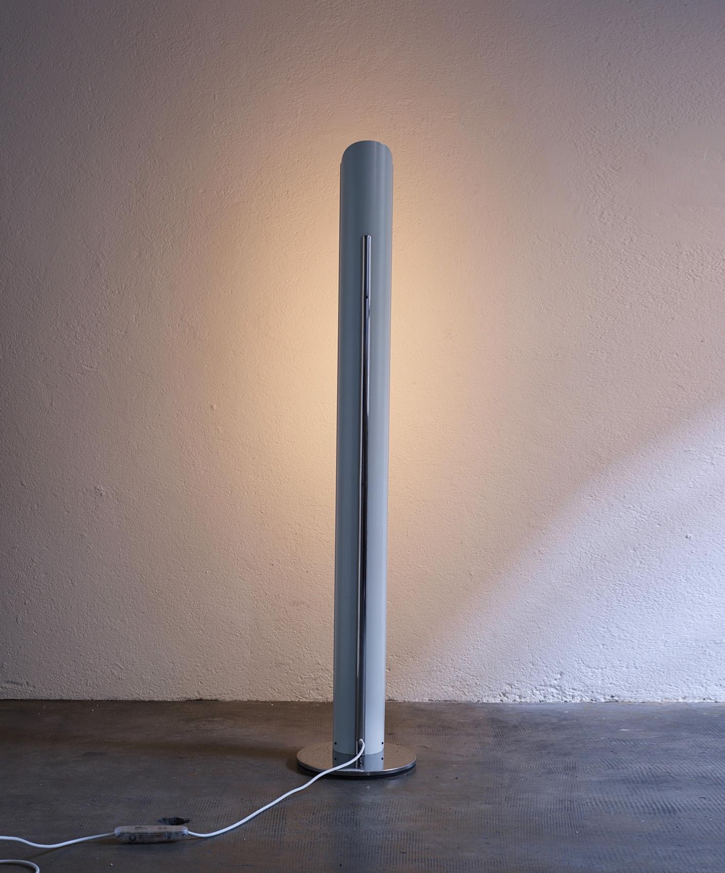 italian-floor-lamp-by-enrico-tronconi-1970-image-02