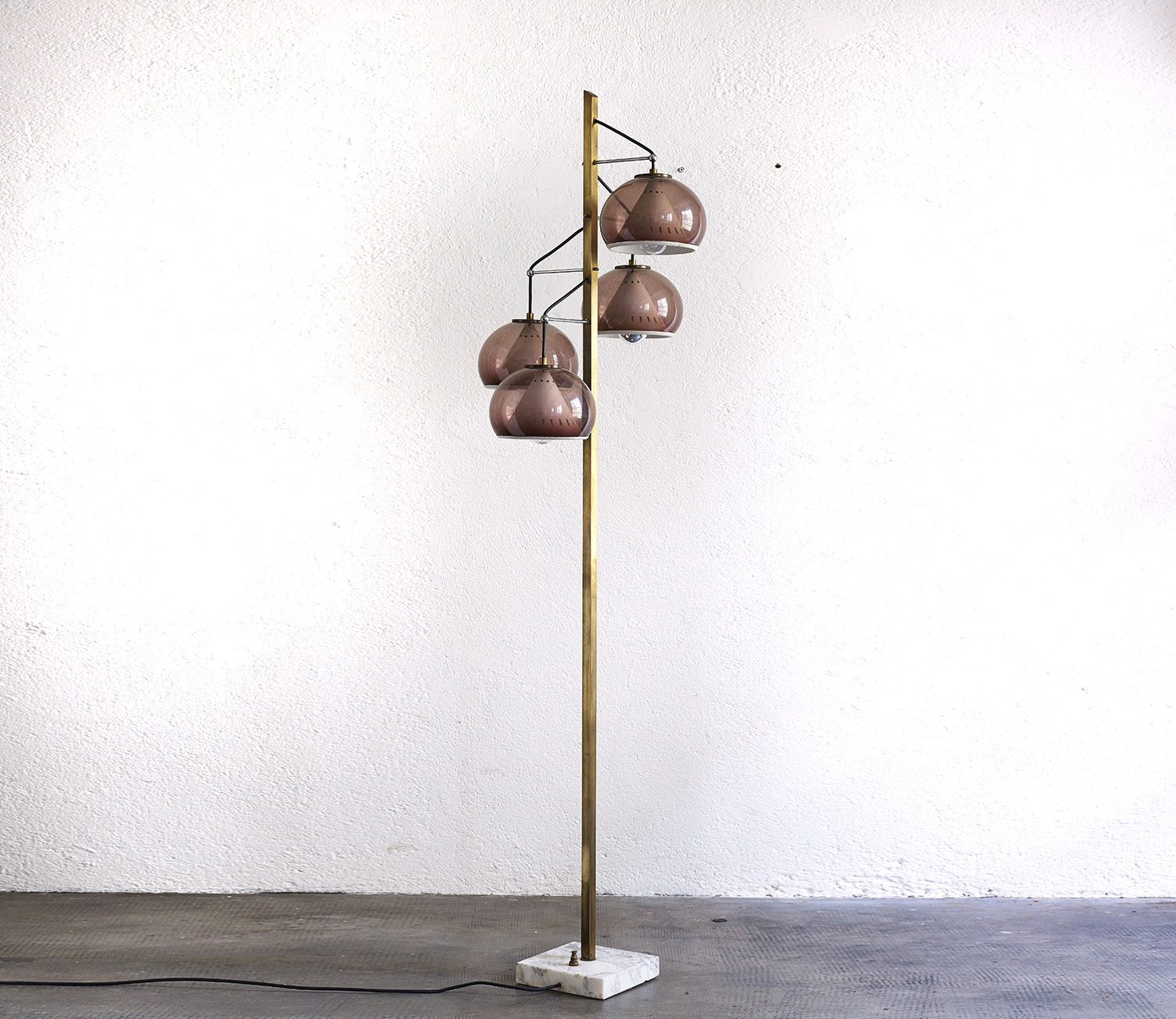 stilux-floor-lamp-image-02