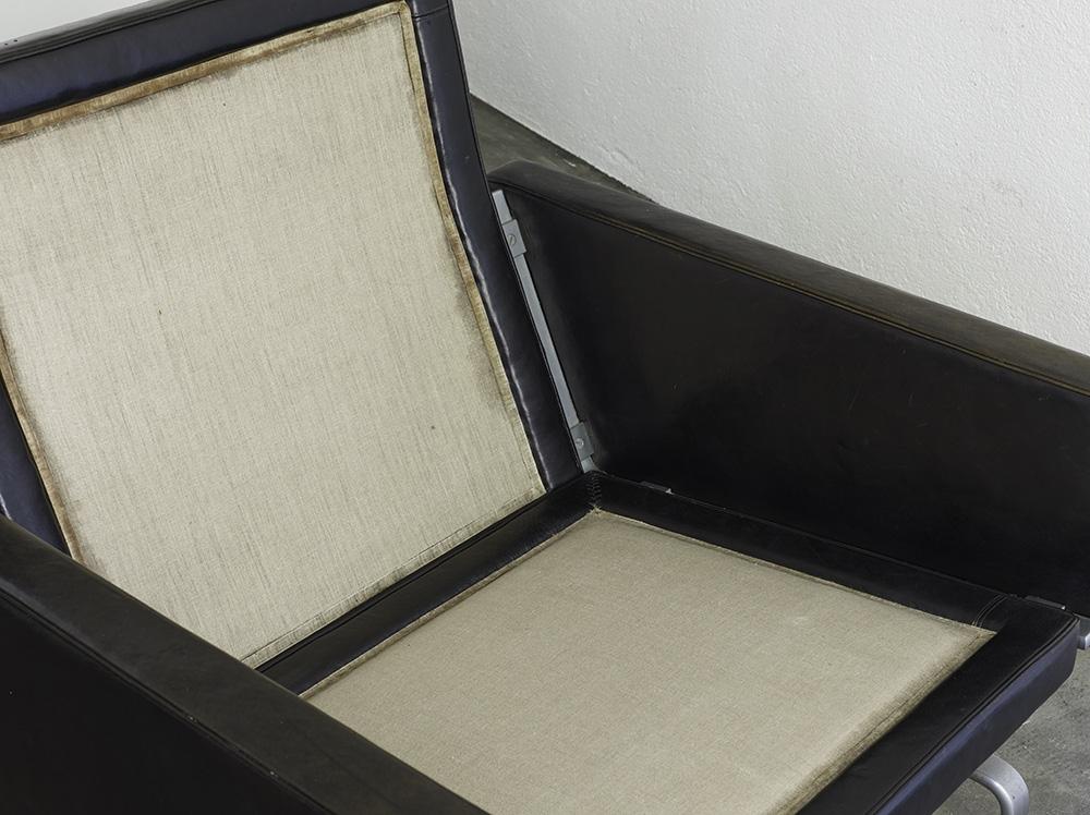 paire-de-fauteuils-pk31-de-poul-kjaerholm-image-05