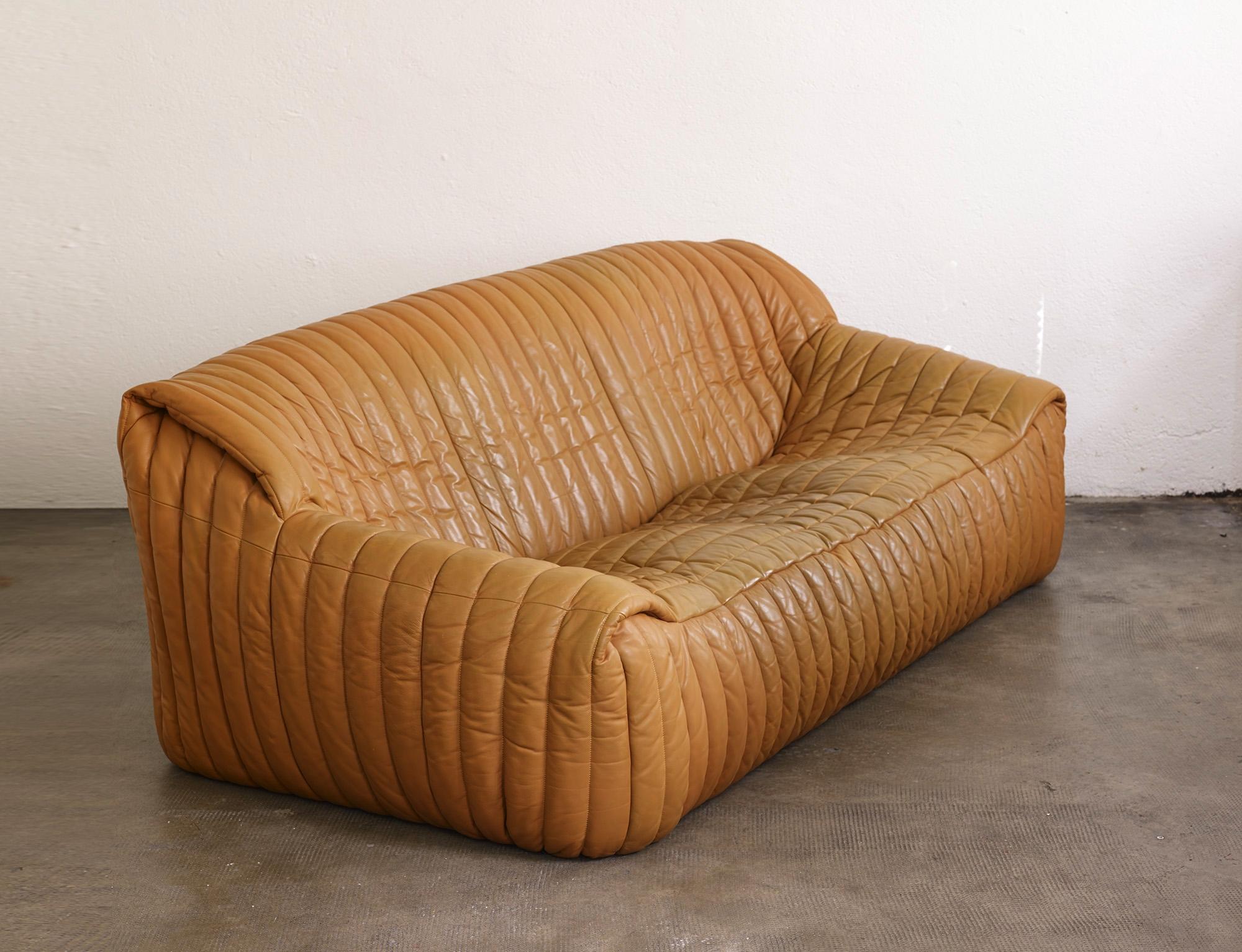 three-seater-sofa-sandra-by-anne-hieronimus-image-01