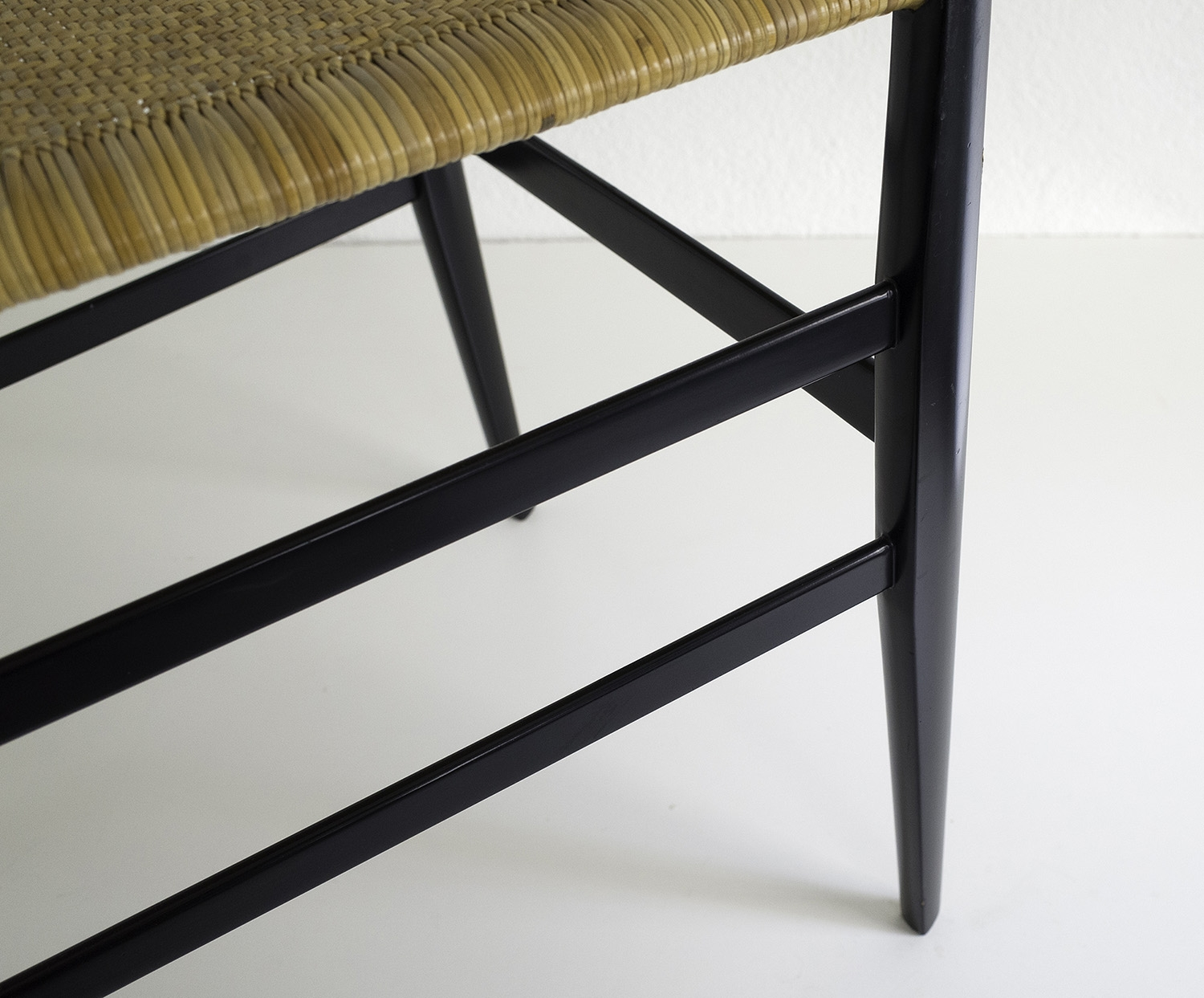 ensemble-de-4-chaises-superleggera-de-gio-ponti-image-06