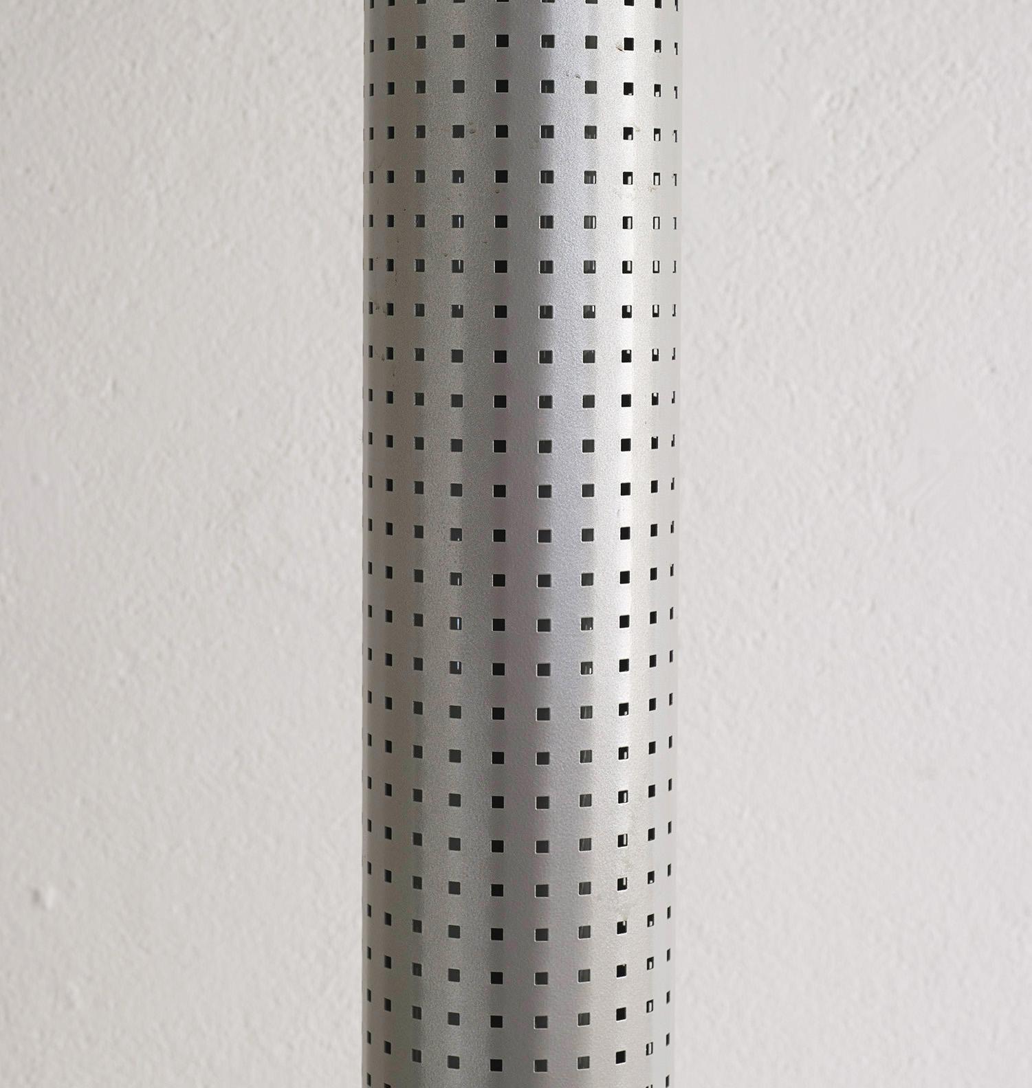floor-lamp-chicago-tribune-by-matteo-thun-and-andrea-lera-image-06