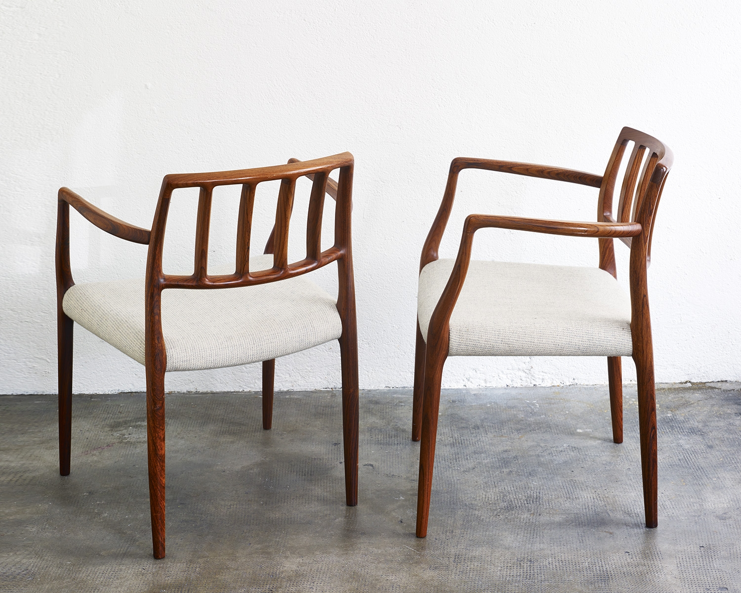 pair-of-rosewood-niels-moller-mod-66-chairs-image-03