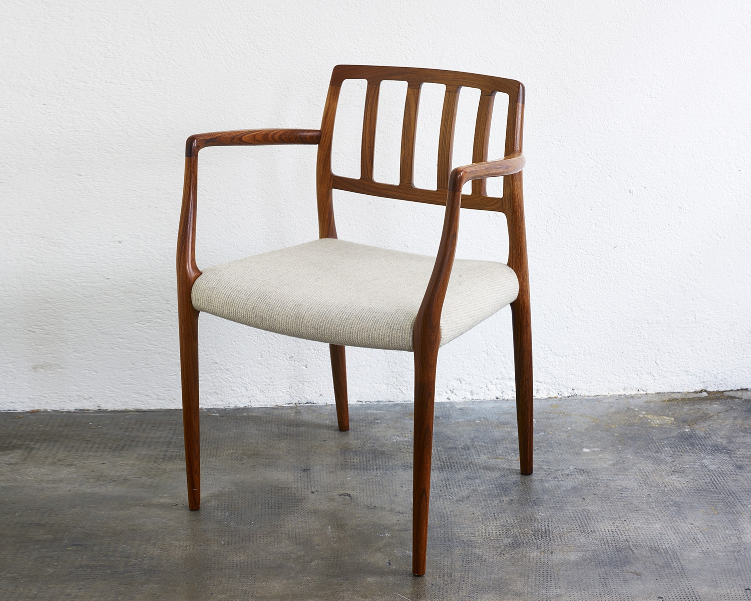 pair-of-rosewood-niels-moller-mod-66-chairs-image-02