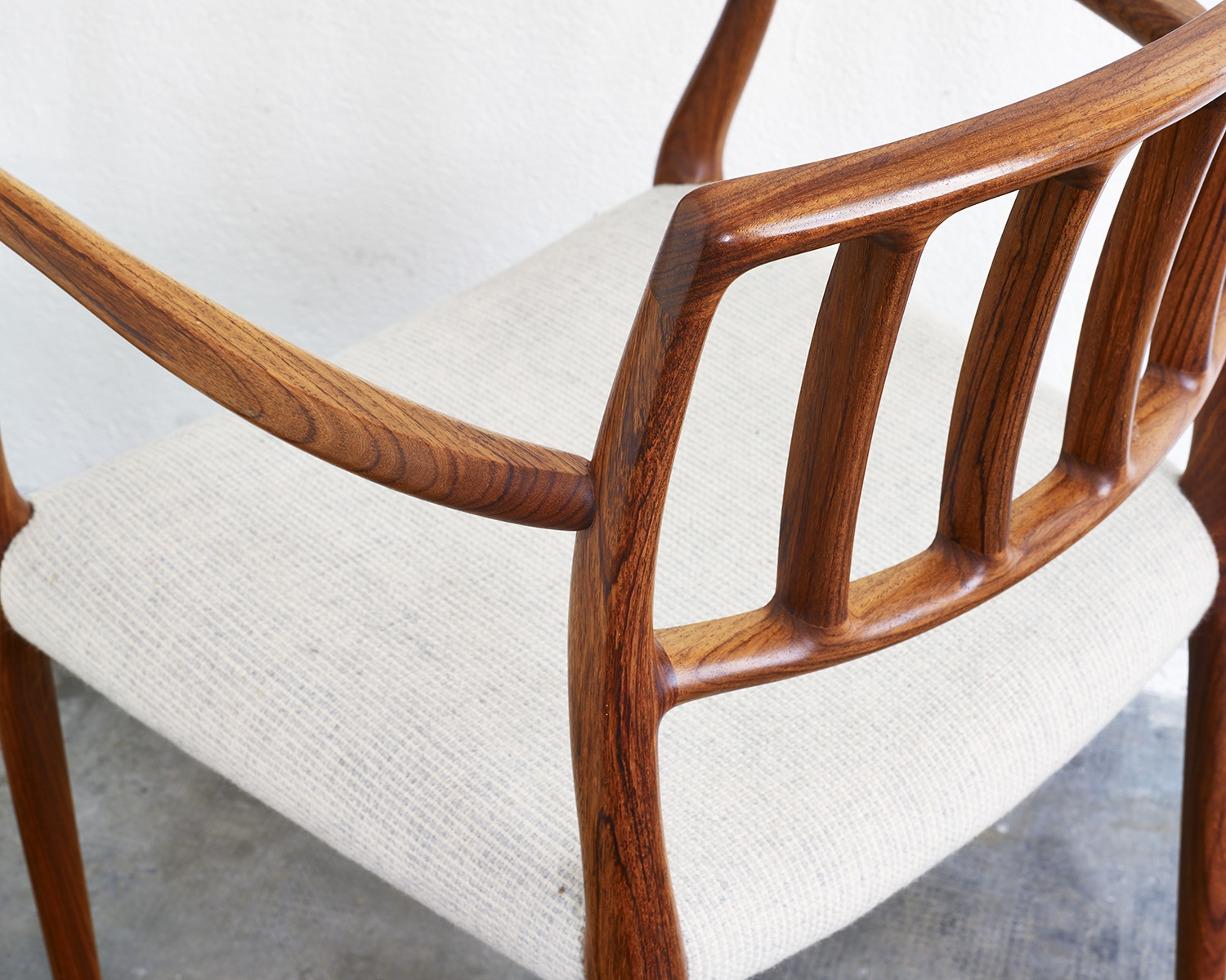 pair-of-rosewood-niels-moller-mod-66-chairs-image-04