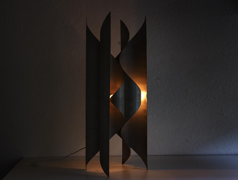 lampe-sculpture-de-lorenzo-burchiellaro-image-09