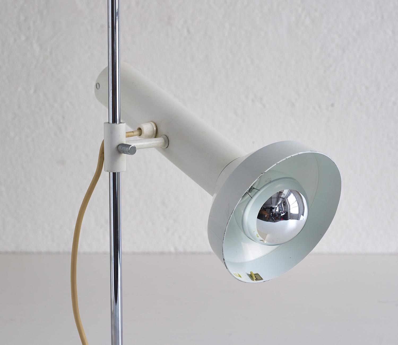 lampe-de-table-dans-le-style-de-baltensweiler-image-03