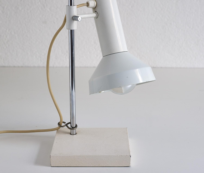 lampe-de-table-dans-le-style-de-baltensweiler-image-04