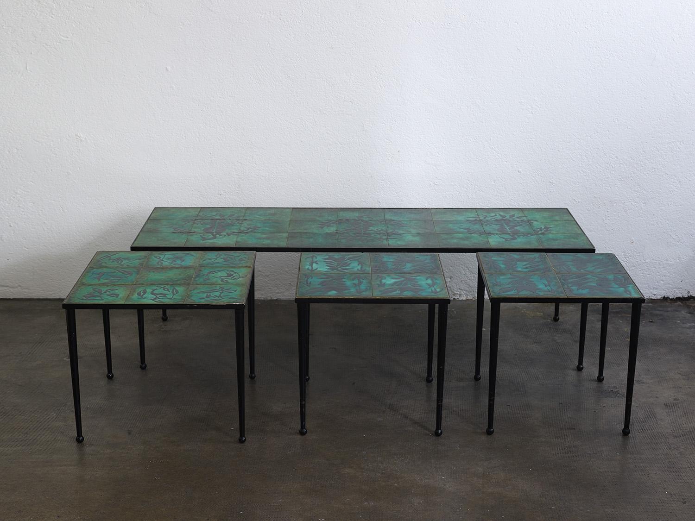 ensemble-de-tables-basses-en-ceramique-de-jean-lurcat-image-01
