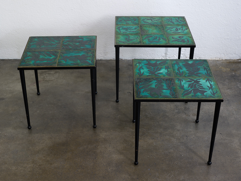 ensemble-de-tables-basses-en-ceramique-de-jean-lurcat-image-04