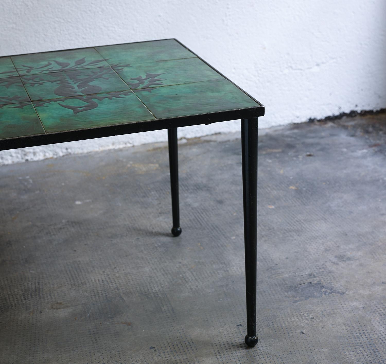 ensemble-de-tables-basses-en-ceramique-de-jean-lurcat-image-05