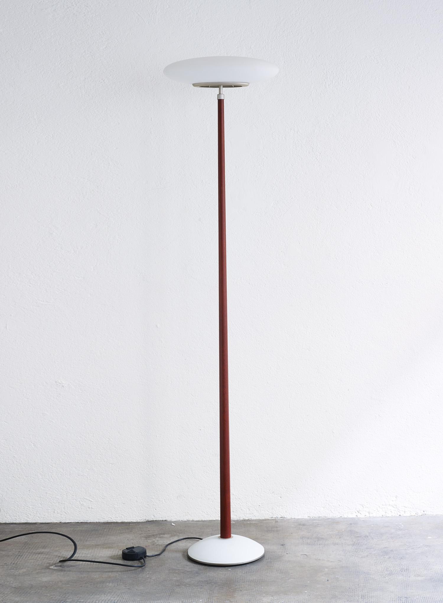 pao-floor-light-by-matteo-thun-for-arteluce-image-02