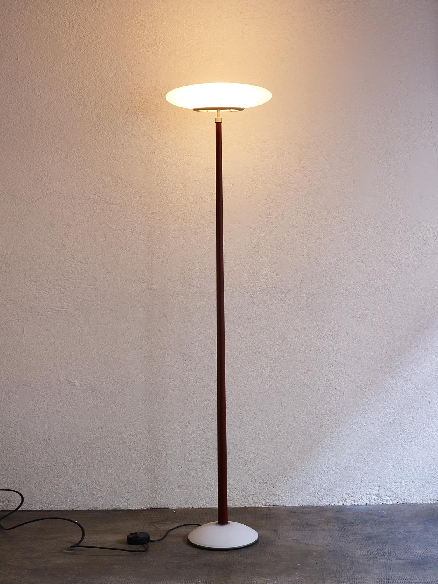 pao-floor-light-by-matteo-thun-for-arteluce-image-01
