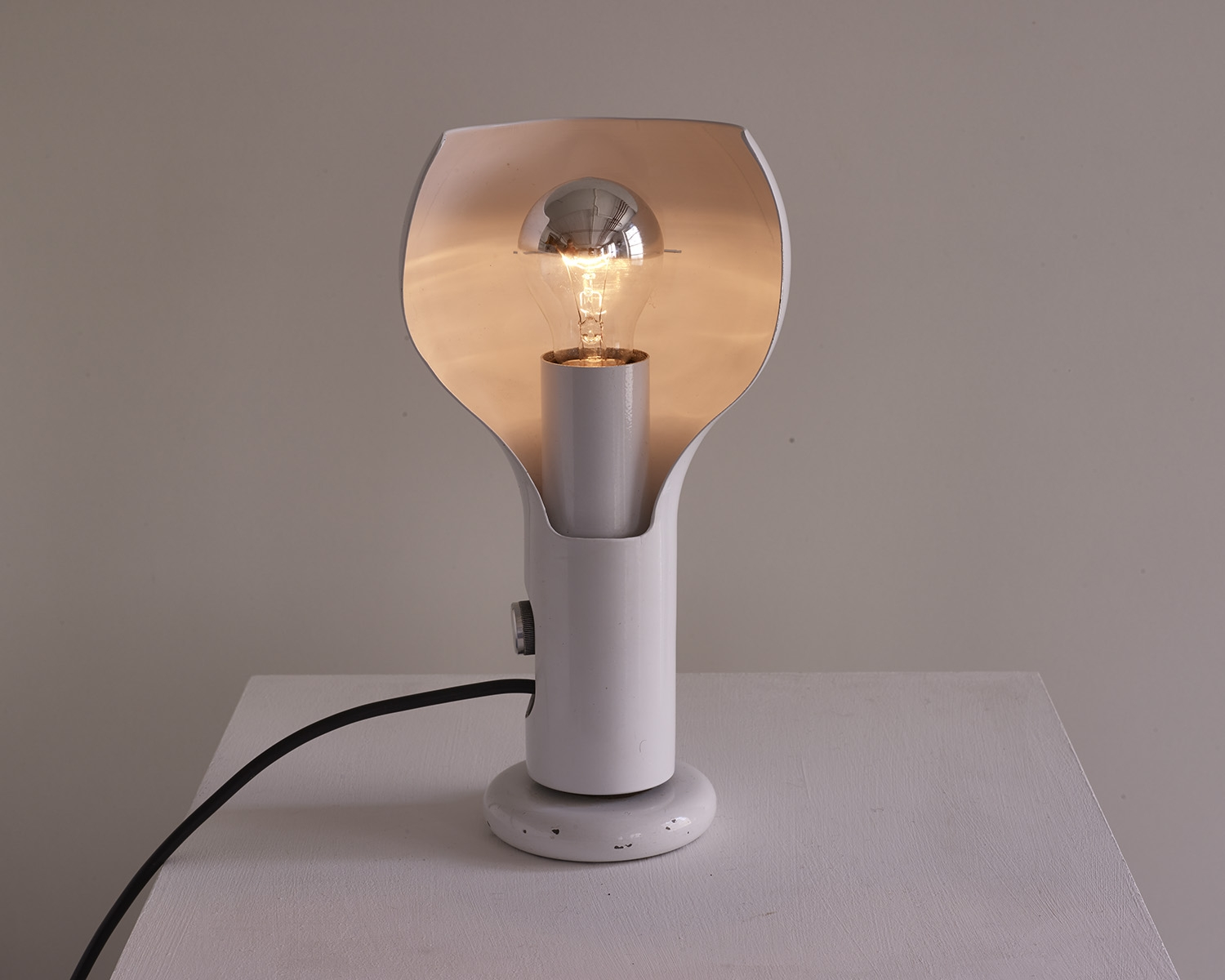 lampe-de-table-flash-de-joe-colombo-image-02