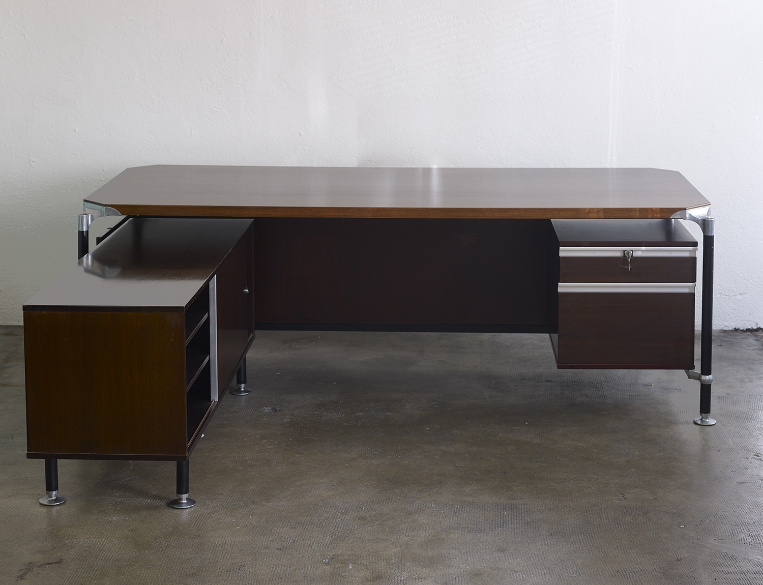 rosewood-desk-by-ico-parisi-for-mim-italia-image-01