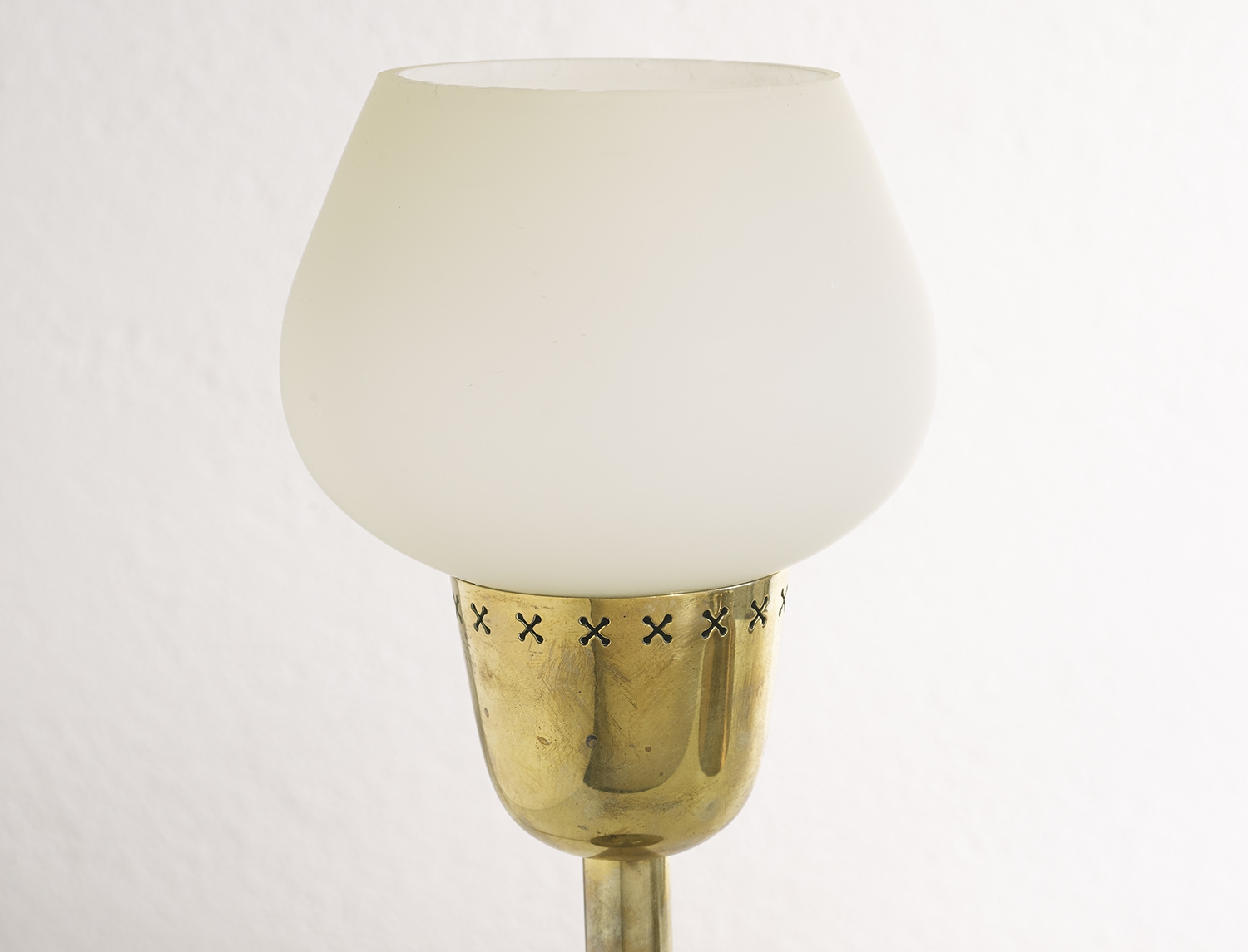 scandinavian-brass-table-lamp-1950-image-04