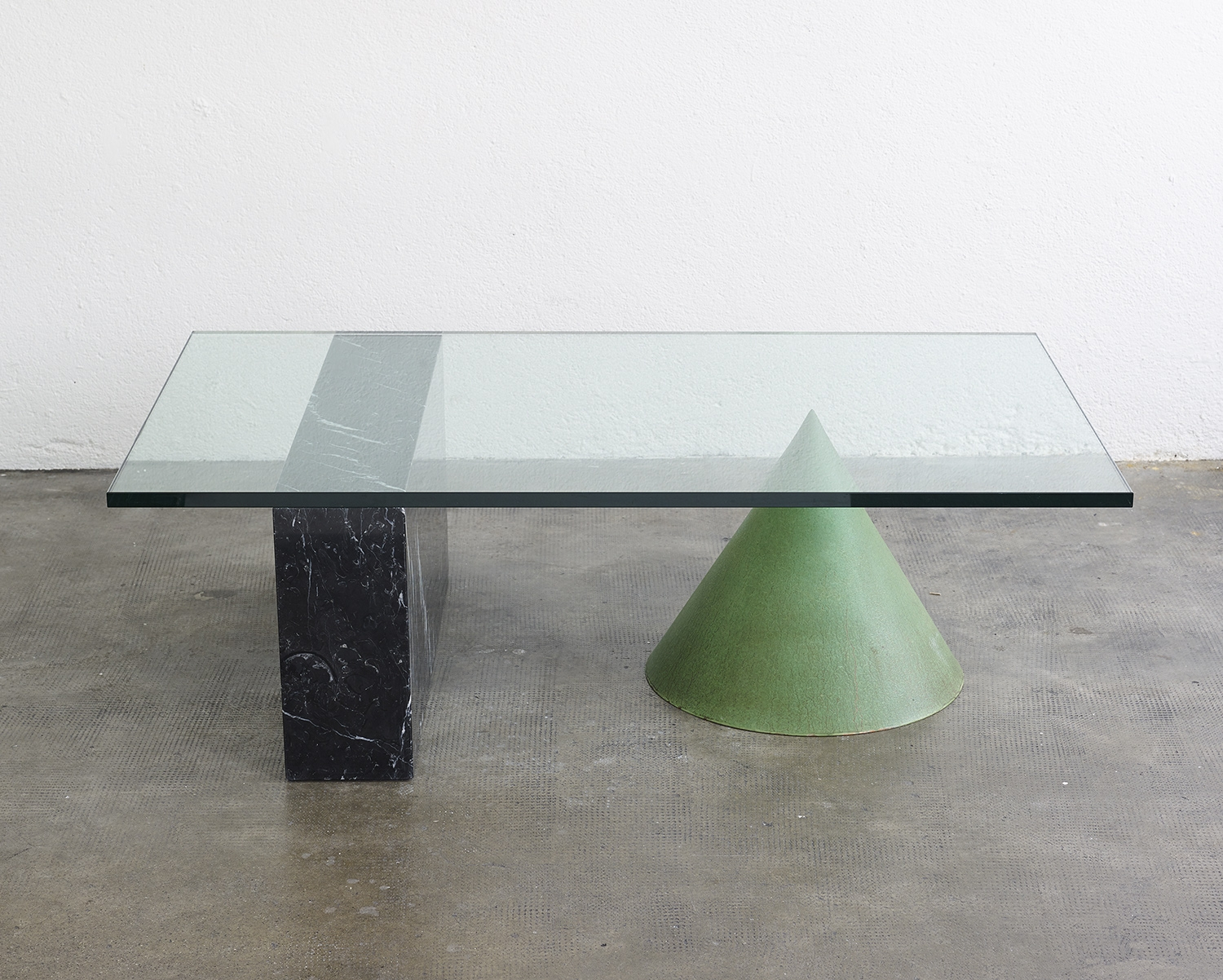 kono-coffee-table-by-massimo-and-lella-vignelli-1983-image-02