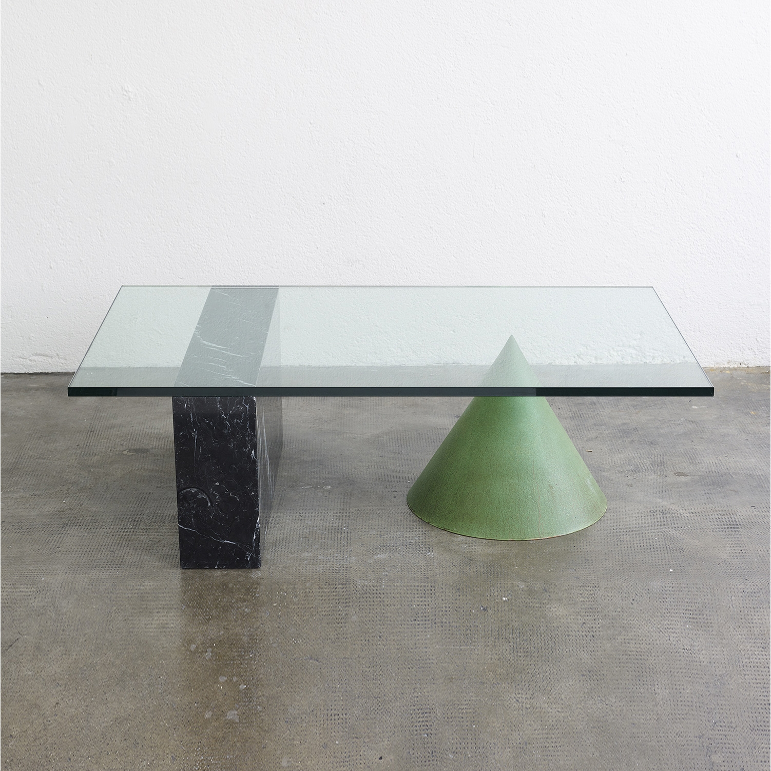 kono-coffee-table-by-massimo-and-lella-vignelli-1983-image-01