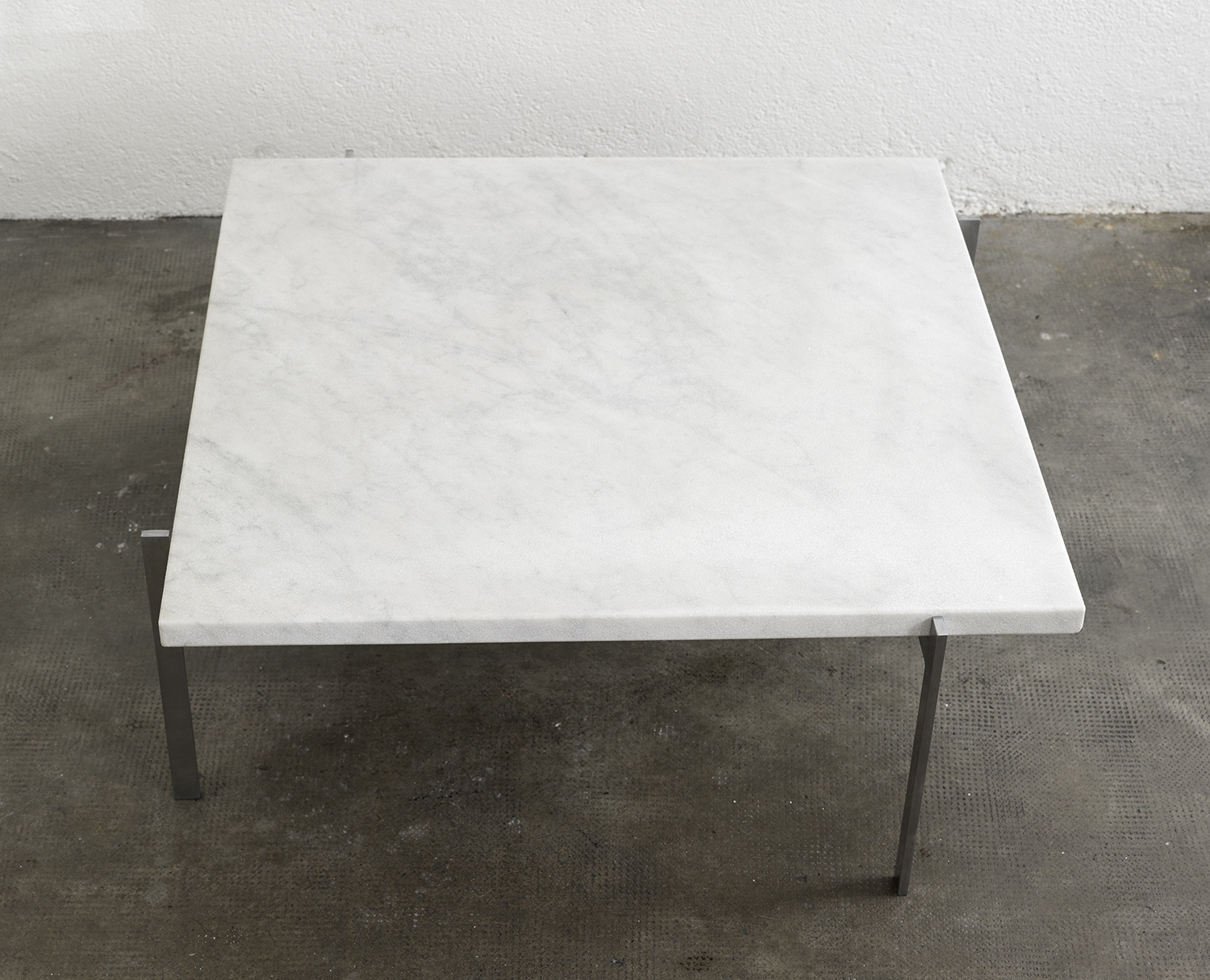 pk61-coffee-table-by-poul-kjaerholm-image-01