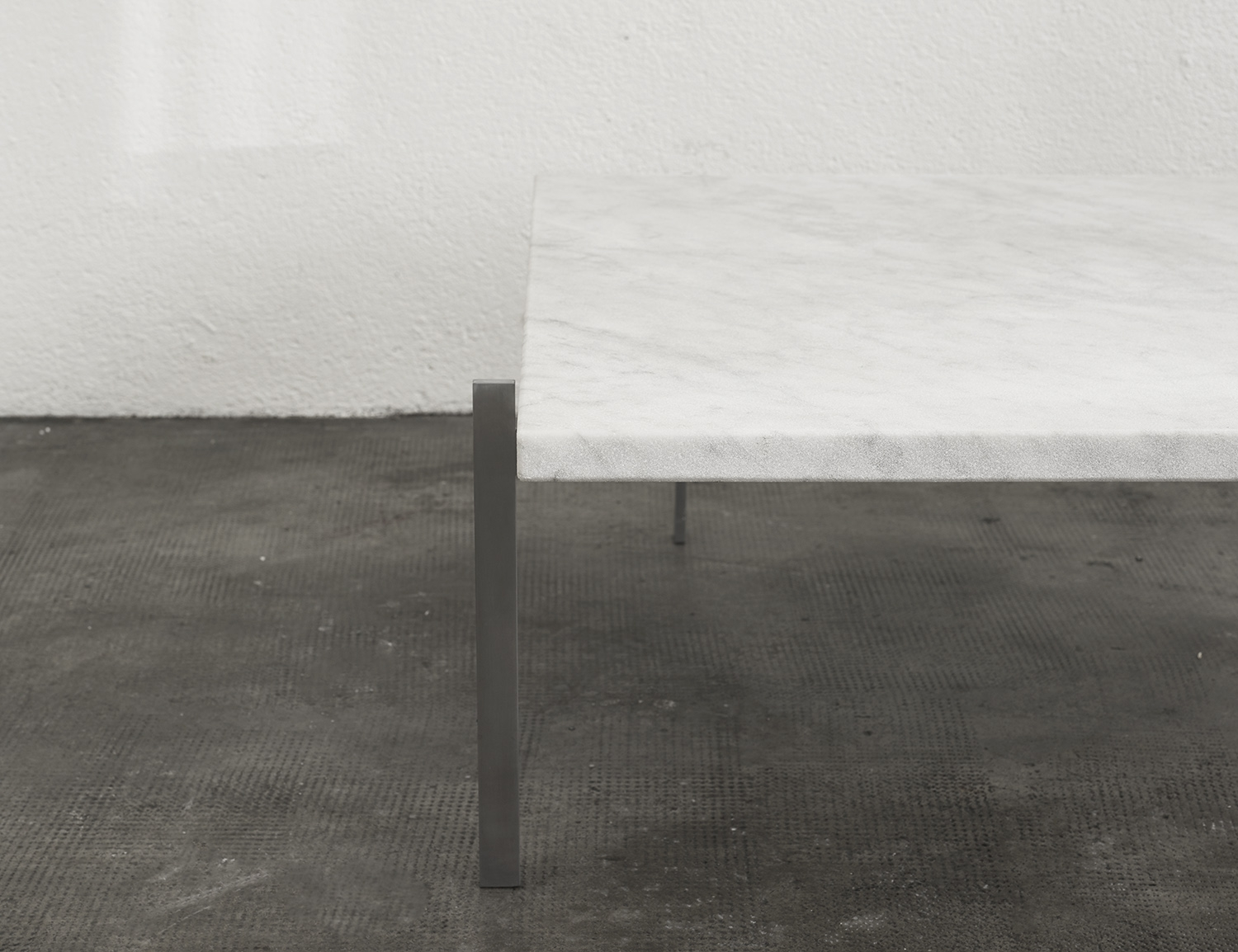 pk61-coffee-table-by-poul-kjaerholm-image-03