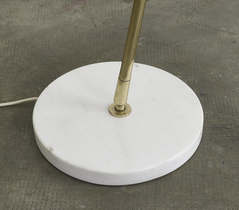 lampe-de-sol-de-giuseppe-ostuni-mod-301-oluce-image-06