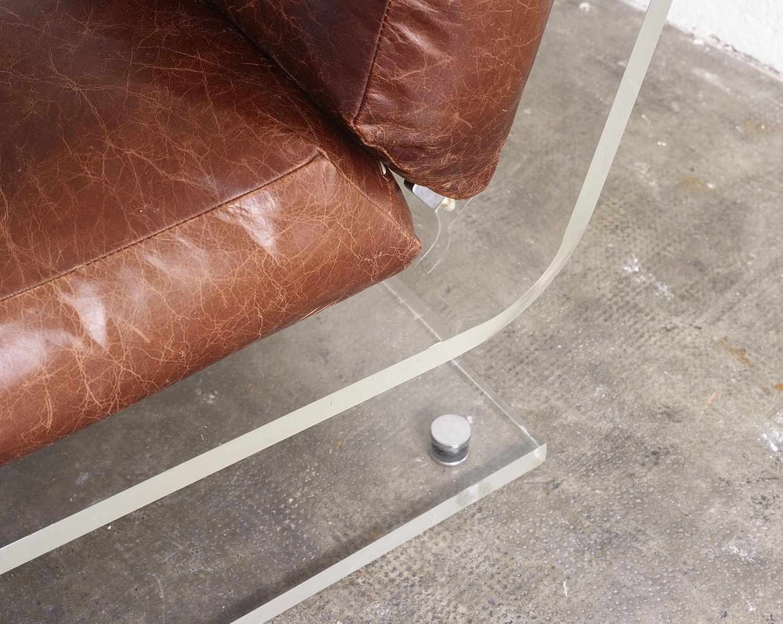 fauteuil-plexiglas-de-jacques-charpentier-1970-image-05