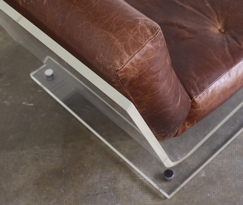 fauteuil-plexiglas-de-jacques-charpentier-1970-image-03