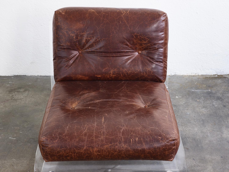 fauteuil-plexiglas-de-jacques-charpentier-1970-image-07