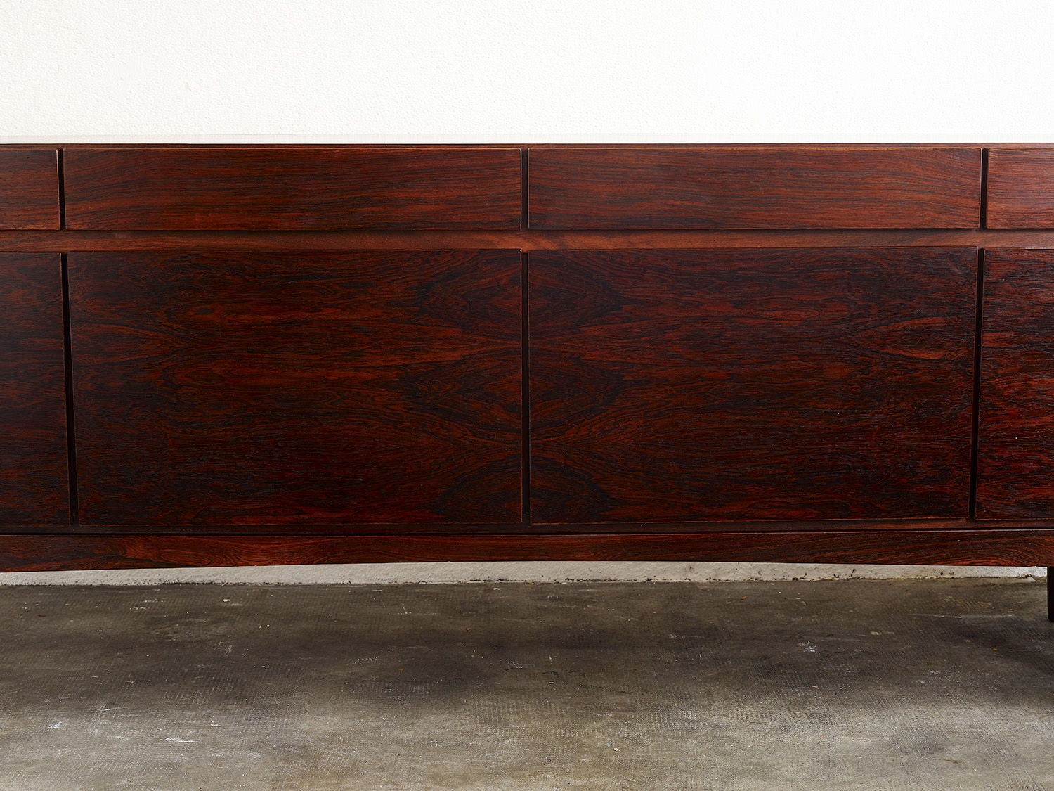 sideboard-fa66-by-ib-kofod-larsen-for-faarup-1960-image-01