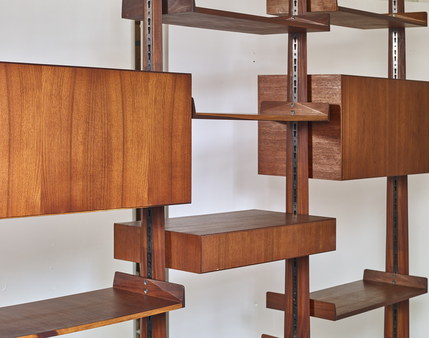 modular-teak-library-by-edmondo-palutari-for-dassi-italy-1959-image-01