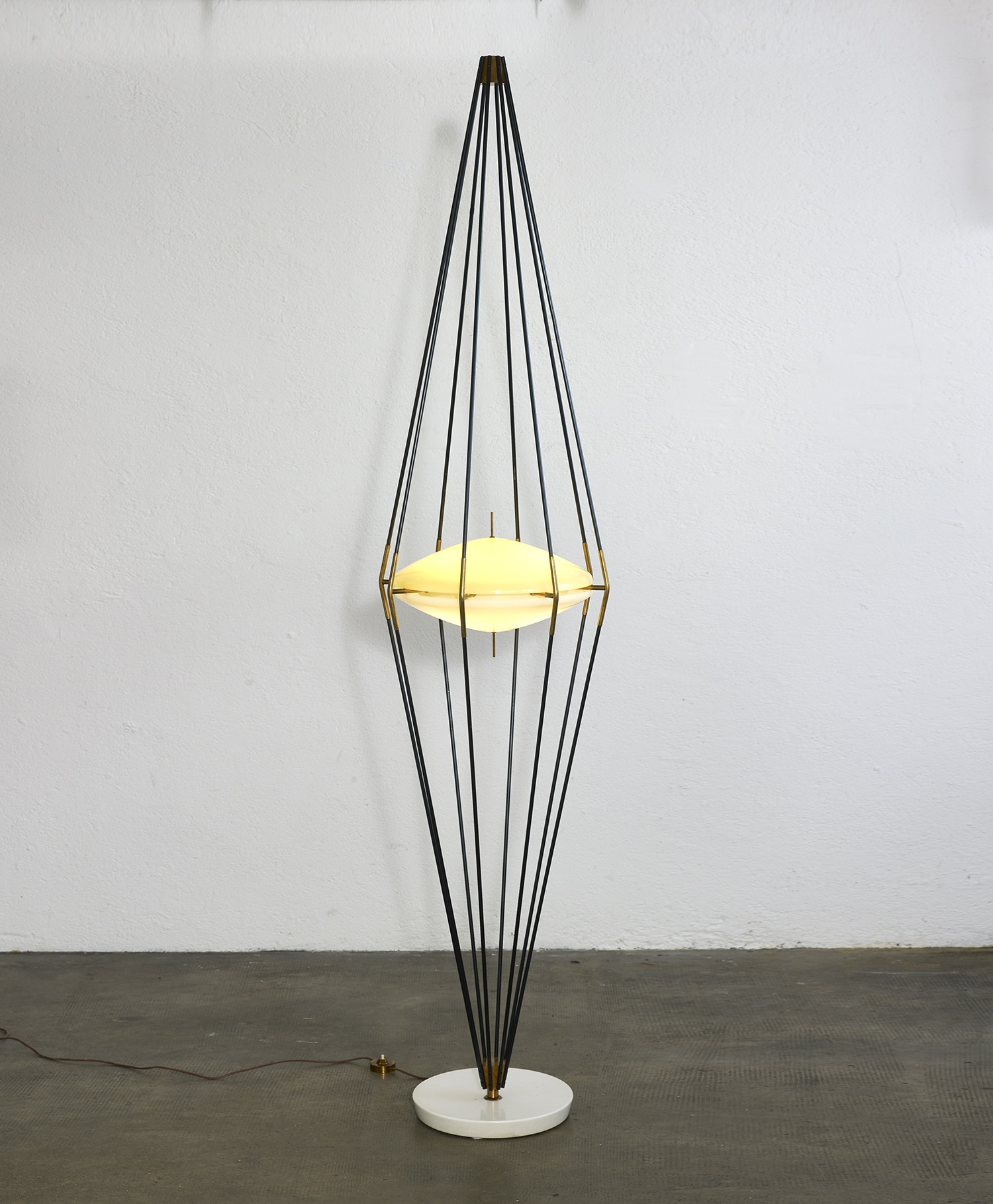 rare-model-12628-siluro-floor-lamp-by-angelo-lelii-for-arredoluce-1957-image-01