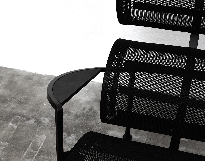 paire-de-fauteuils-signorina-chan-de-carlo-forcolini-image-04