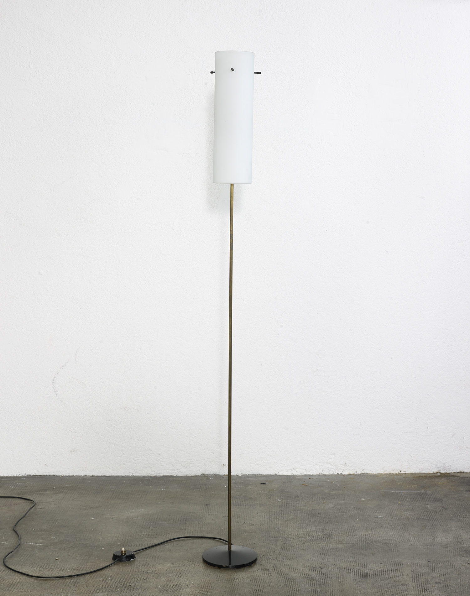 floor-lamp-italy-1960-image-01