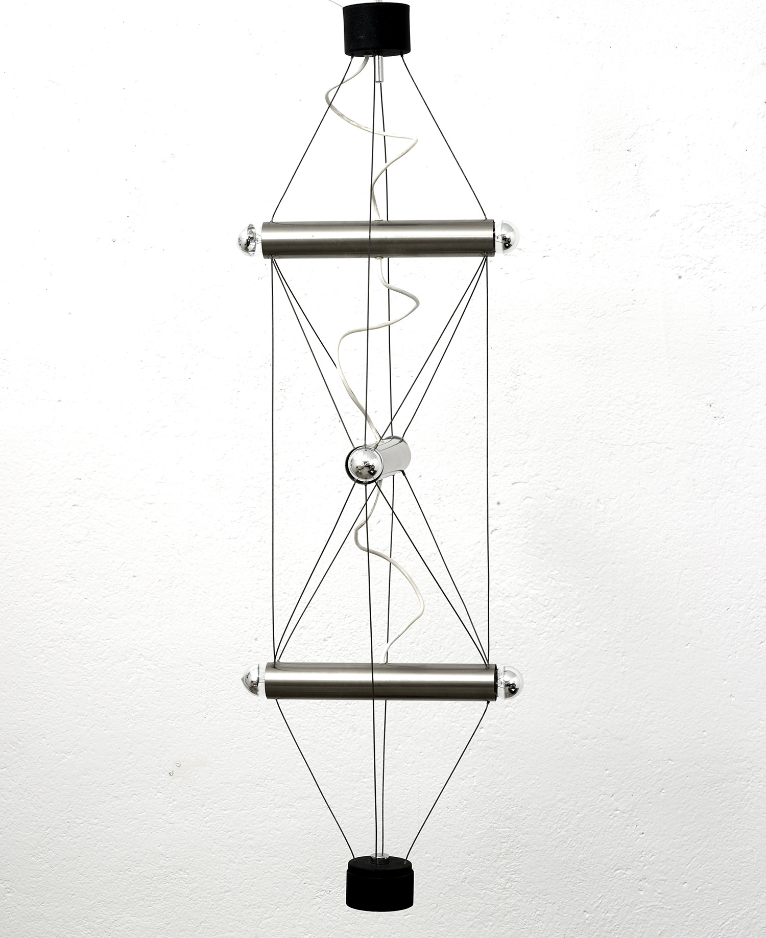 suspension-by-lumi-1970-image-01