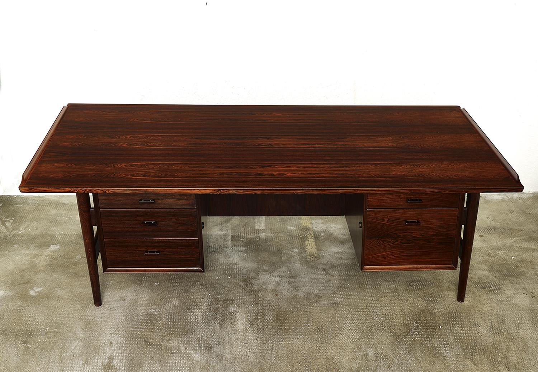 model-207-rosewood-desk-by-arne-vodder-sibast-dk-image-03