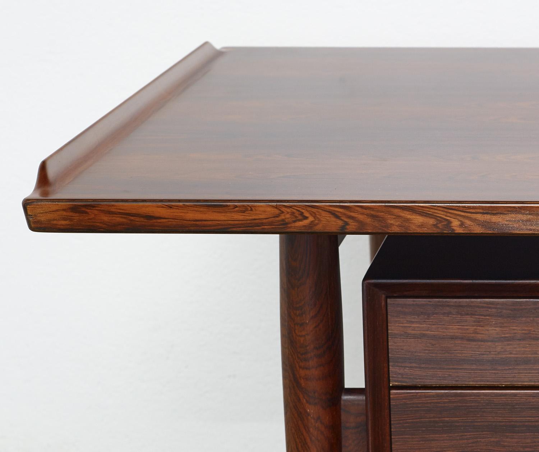model-207-rosewood-desk-by-arne-vodder-sibast-dk-image-05