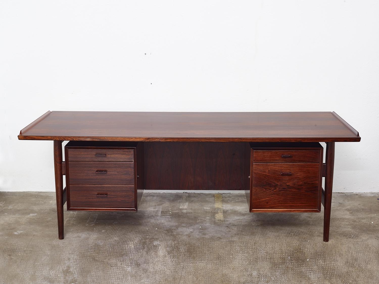 model-207-rosewood-desk-by-arne-vodder-sibast-dk-image-04
