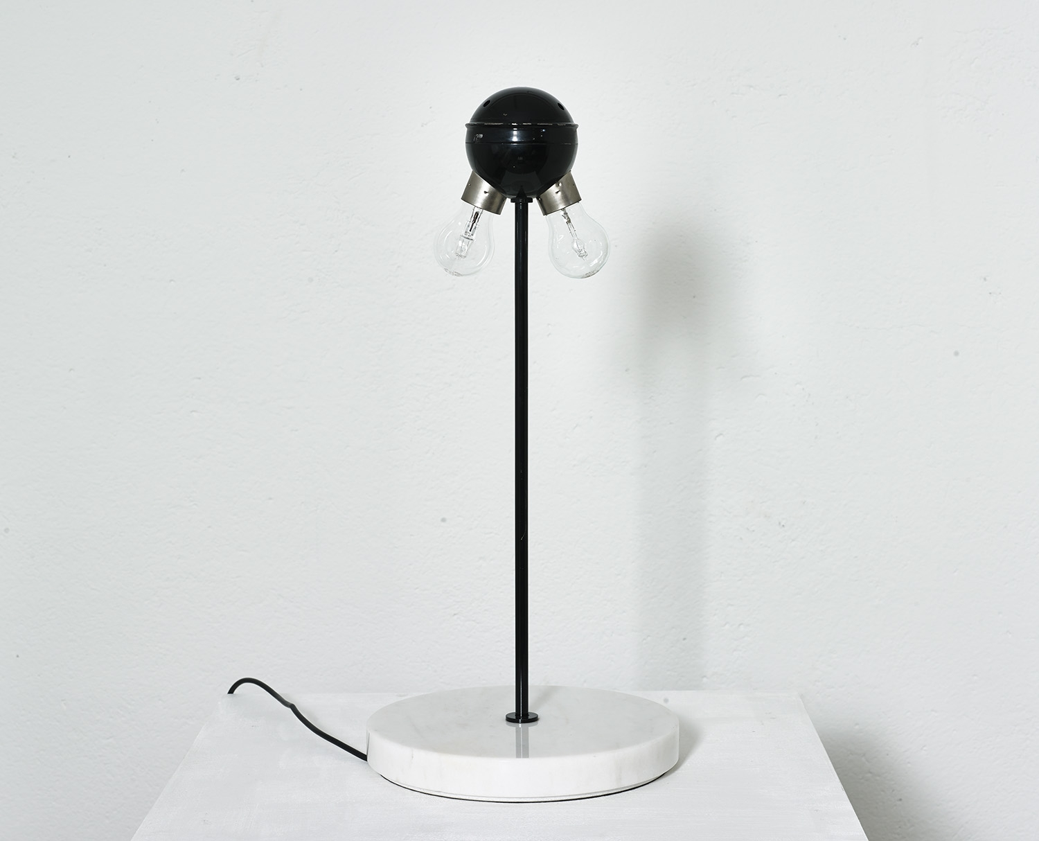 table-lamp-snow-by-vico-magistretti-1973-image-02
